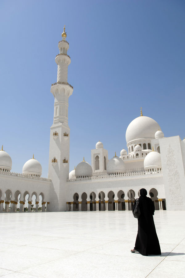 (A calll...) Sheikh Zayed Mosque.© Abu Dhabi Tourism & Culture Authority. jpg