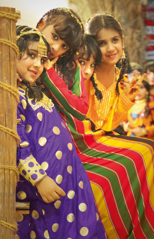 Traditional dress. © Abu Dhabi Tourism & Culture Authority